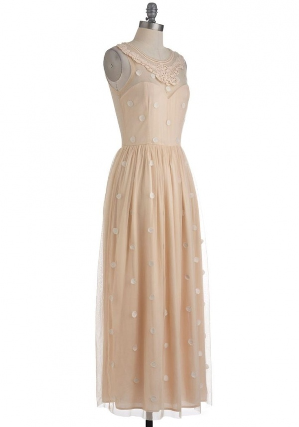 Lovely ethereal wedding dress from Mod Cloth under $200!