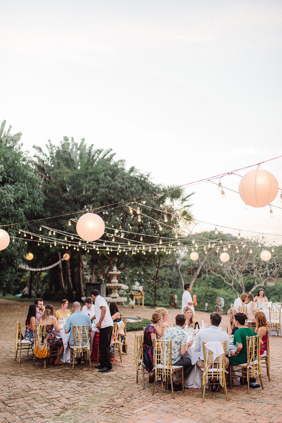 Rehearsal Dinner Guest List Etiquette Who Should Be Invited