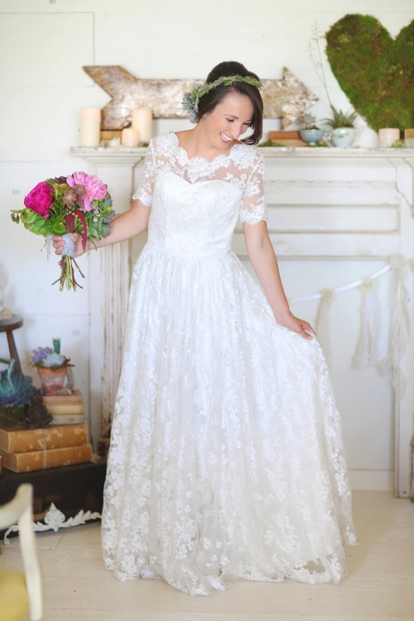 Photo by  Melissa Enid Photography via  Bridal Bliss Designs