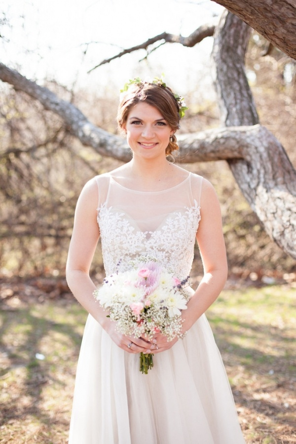 Photo by  Jessica Lauren Photography  via  Bridal Bliss Designs