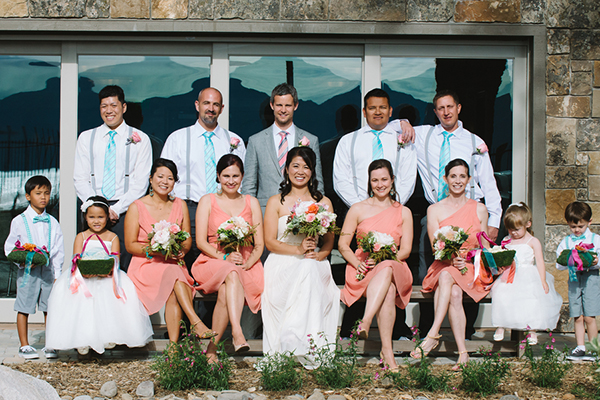 Of course you need a photo of your bridal party!