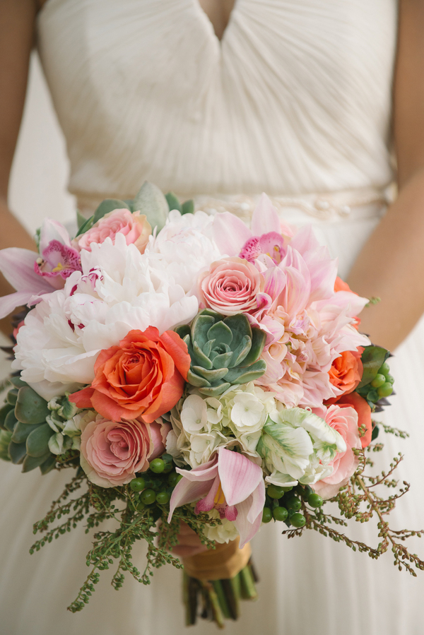 Beautiful bouquet with white and pink flowers and succulents!