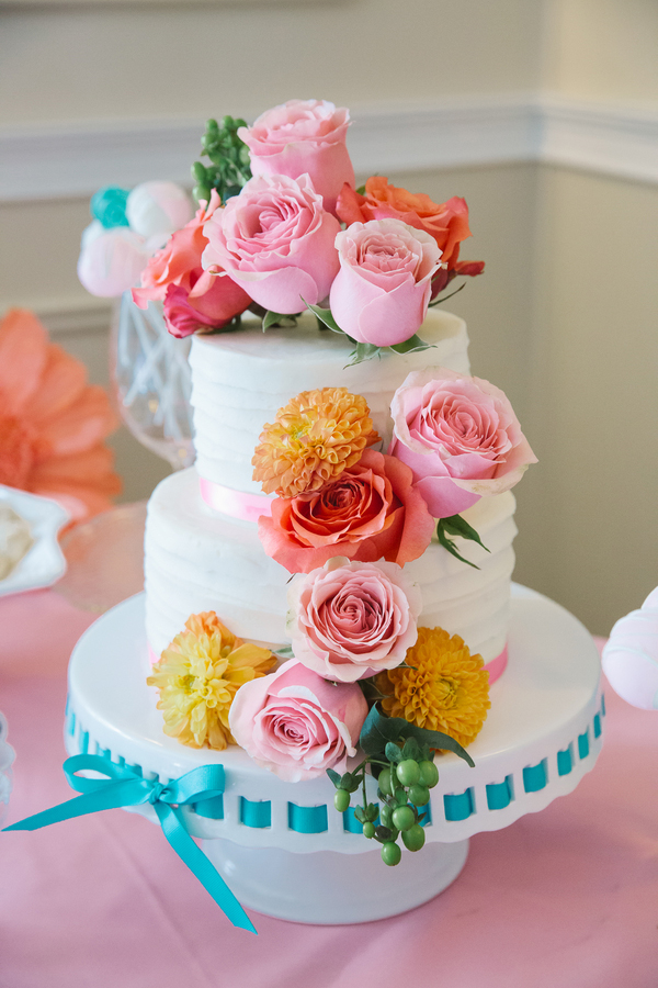 Gorgeous wedding flower cakes