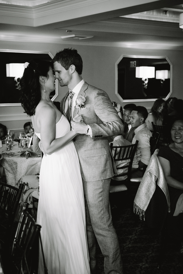 gorgeous wedding first dance photo