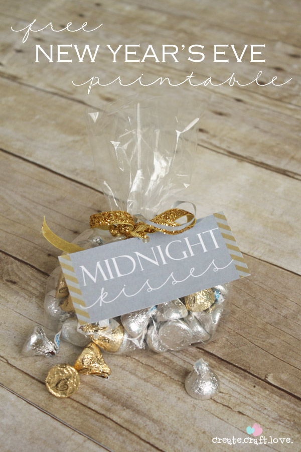 Festive Wintry & NYE wedding favors. Midnight kisses are such a cute idea!