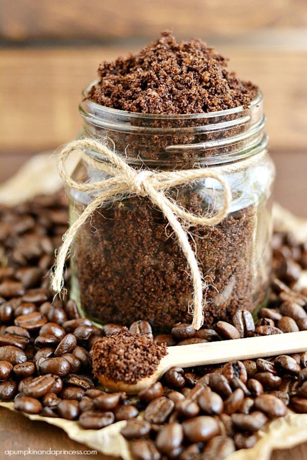 DIY Gift // Coffee Sugar Scrub