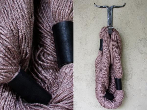 DIY Gift // woven yarn scarf - no knit - no sew!