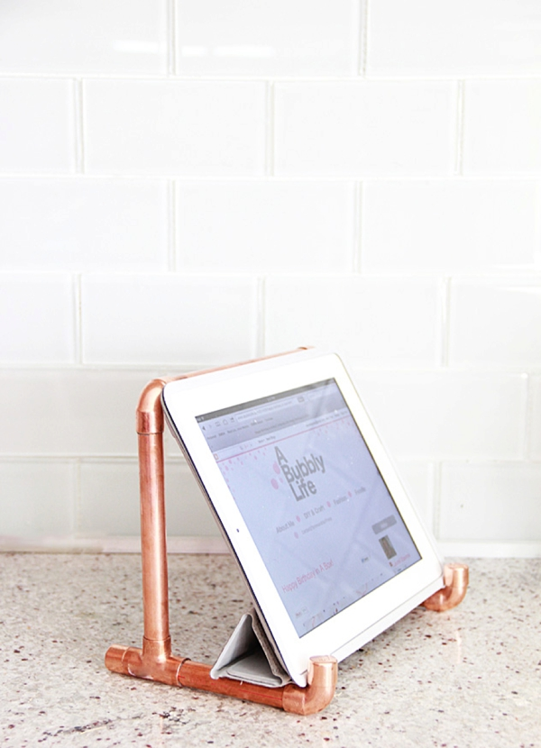 DIY Gift // copper iPad stand