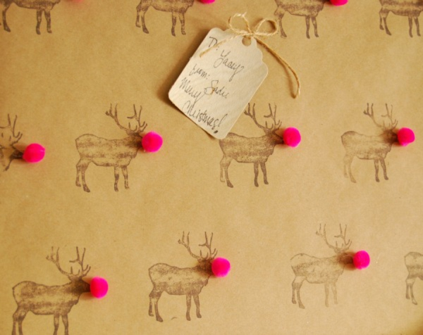 DIY Gift // rudolph gift wrap