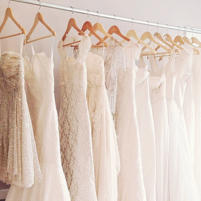 Online wedding dress shopping: tips to consider before selecting ...