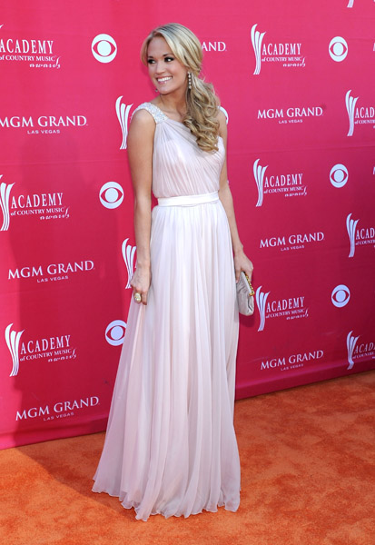 Wedding dresses find your star style wedpics blog carrie underwood carrie underwood white dress cma awards white dress celebrities in white dress carrie underwood junglespirit Images