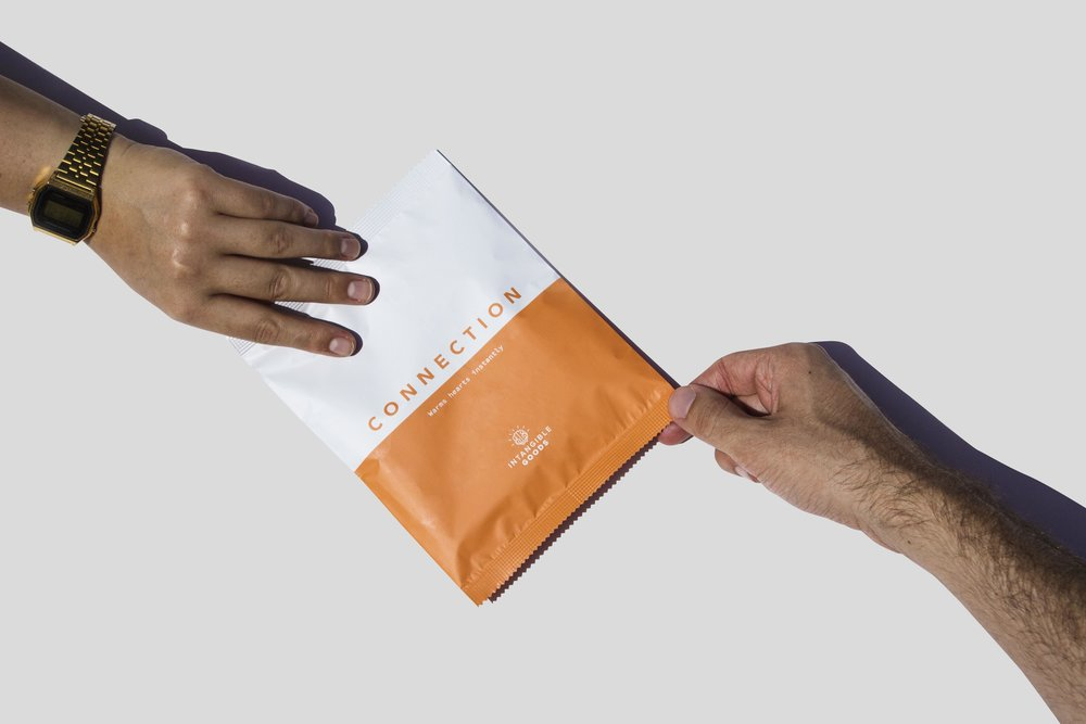 IntangibleGoods-Product-ConnectionHand.jpg
