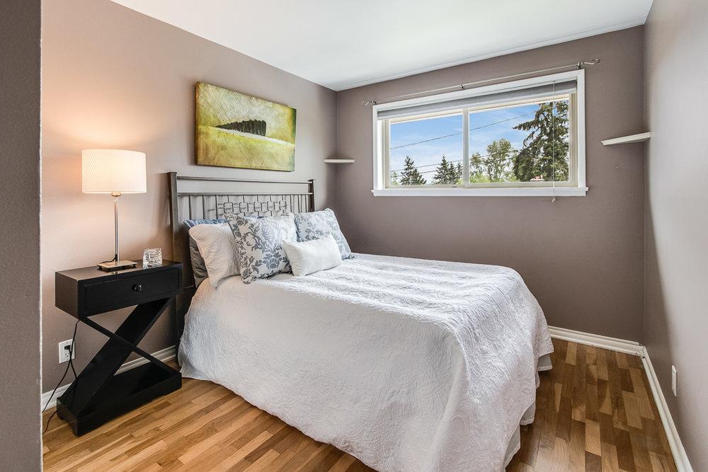 bed2-7177-MLS.jpg