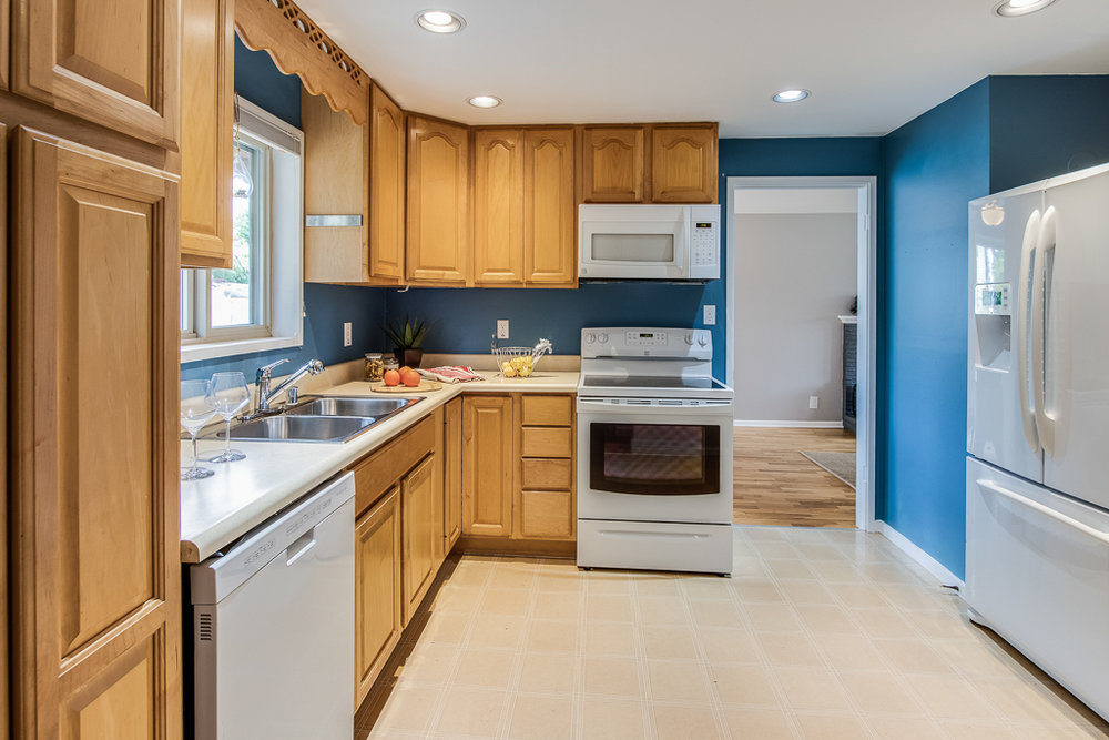 kitchen1-7238-MLS.jpg