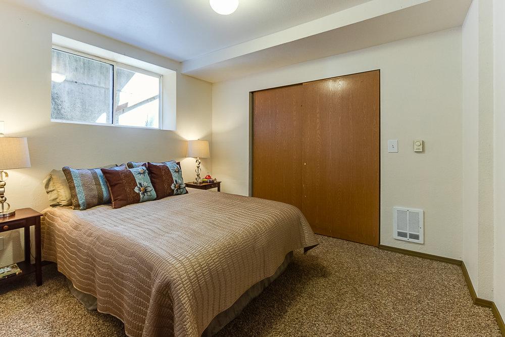 Bed5-7627-PRINTS.jpg
