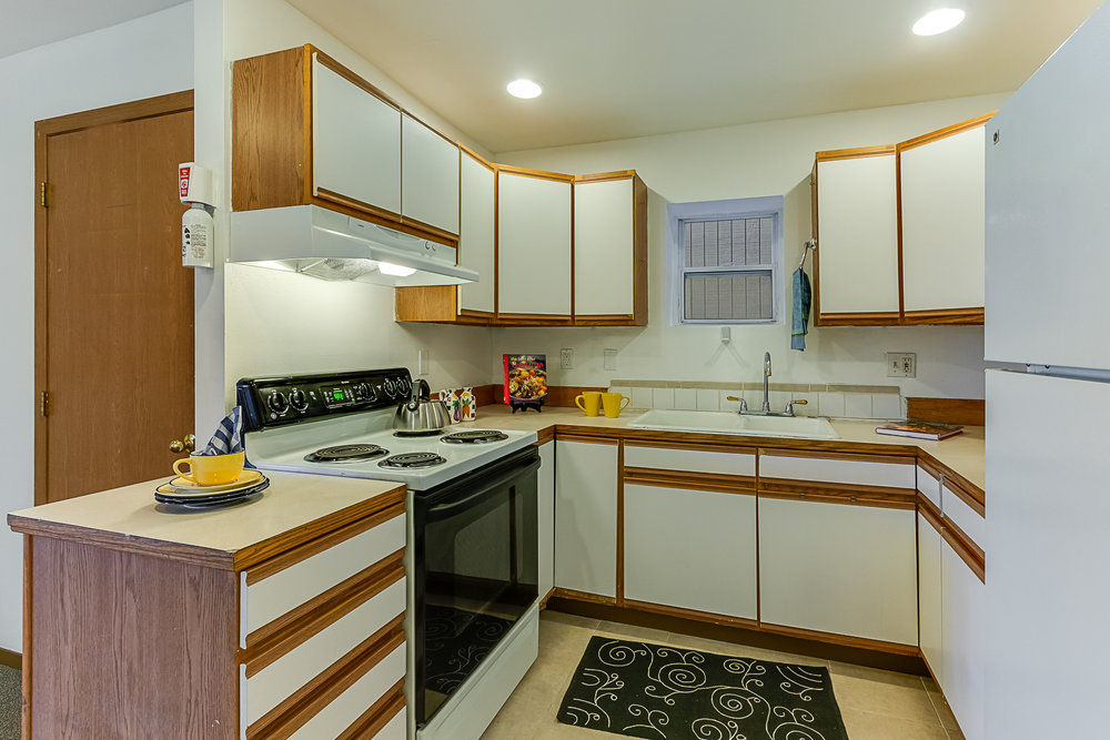 LowerKitchen-7602-PRINTS.jpg
