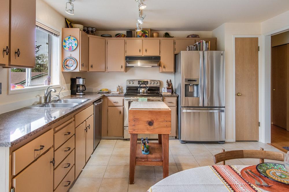 kitchen-8242-MLS.jpg