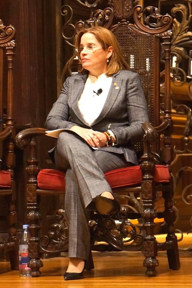 Mayor Carmen Cruz.jpg