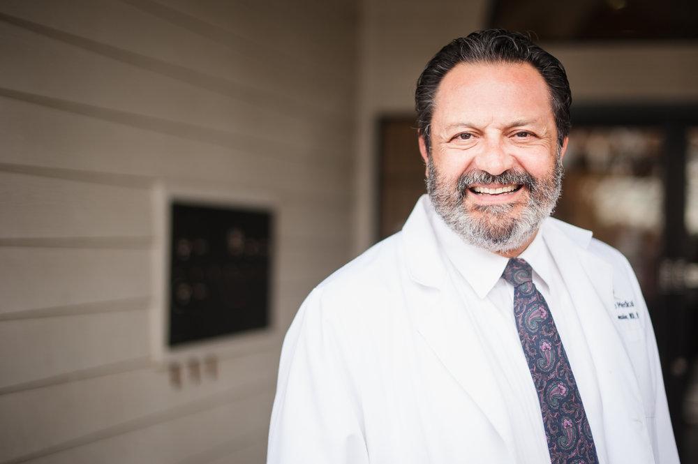 Pregunta al doctor - ¿Qué es EVLT?Endo Venosa Laser Therapy es una nueva y revolucionaria forma de tratar las venas varicosas. Haga clic en Pacientes informados, luego en Definiciones para obtener más información sobre EVLT.