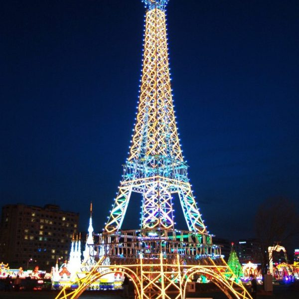 Lantern-Light-Eiffel-Tower-768x1024-1-600x600.jpg