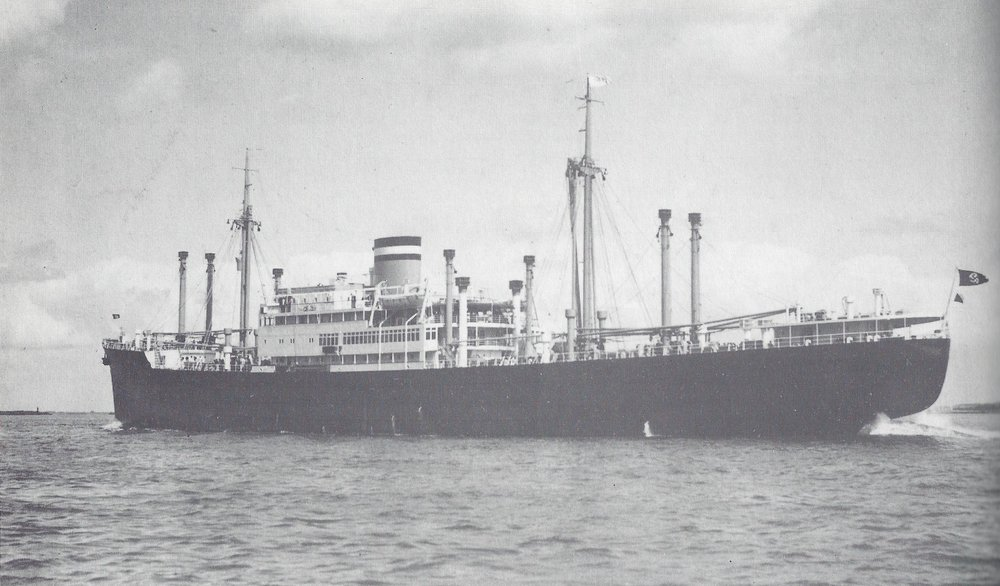 MS Huascaran as built in about 1939. Note the swastika ensign fluttering at the stern. Image from: https://de.wikipedia.org/wiki/Huascaran_(Schiff,_1938)#/media/File:Kombischiff_Huascaran.jpg