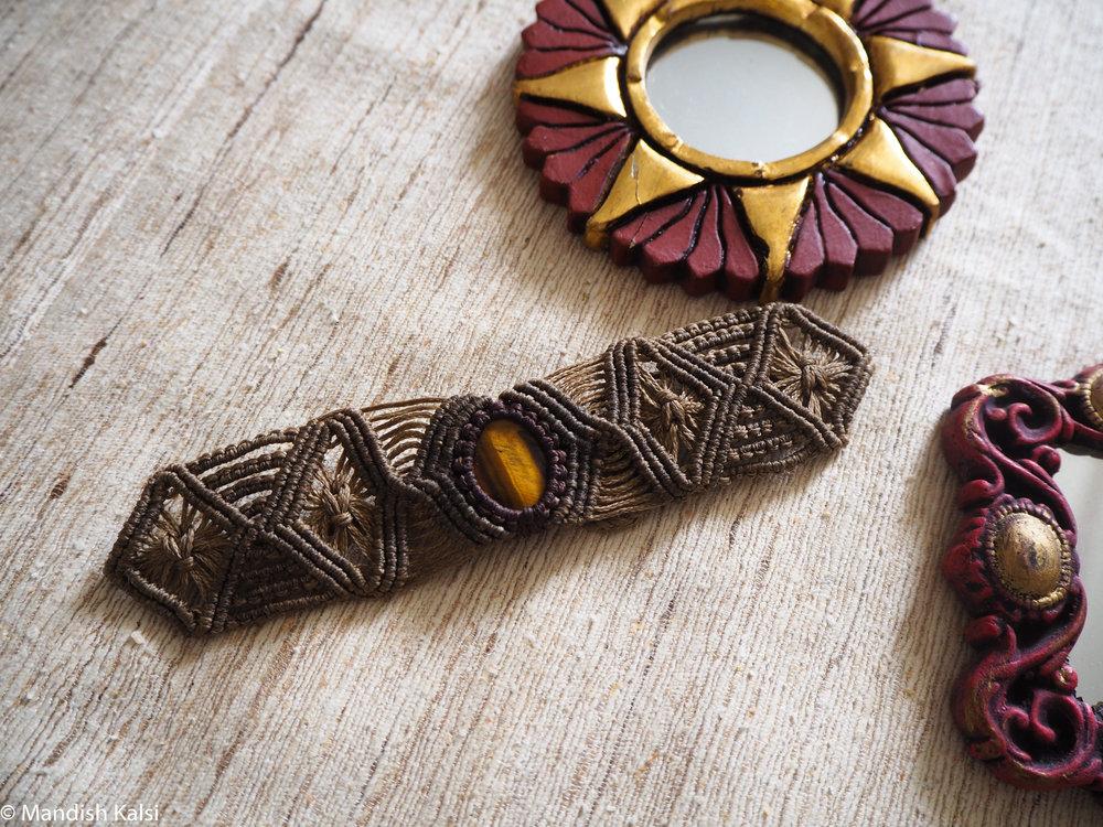 Diasha bracelet  Khaki macrame with Tiger's Eye stone.