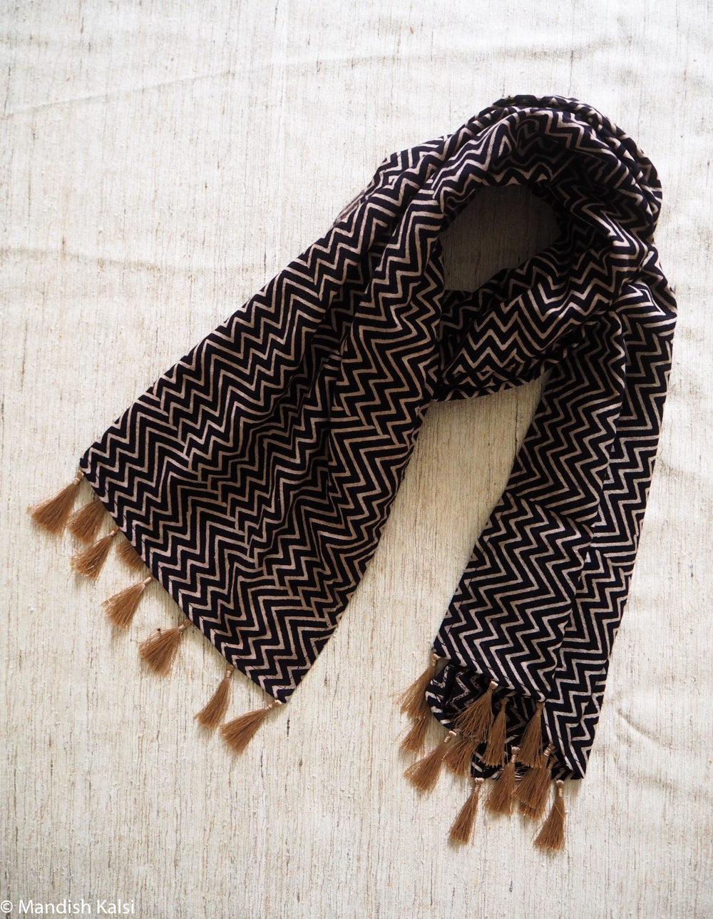 Black & Beige chevron print - Medium scarf with tassels