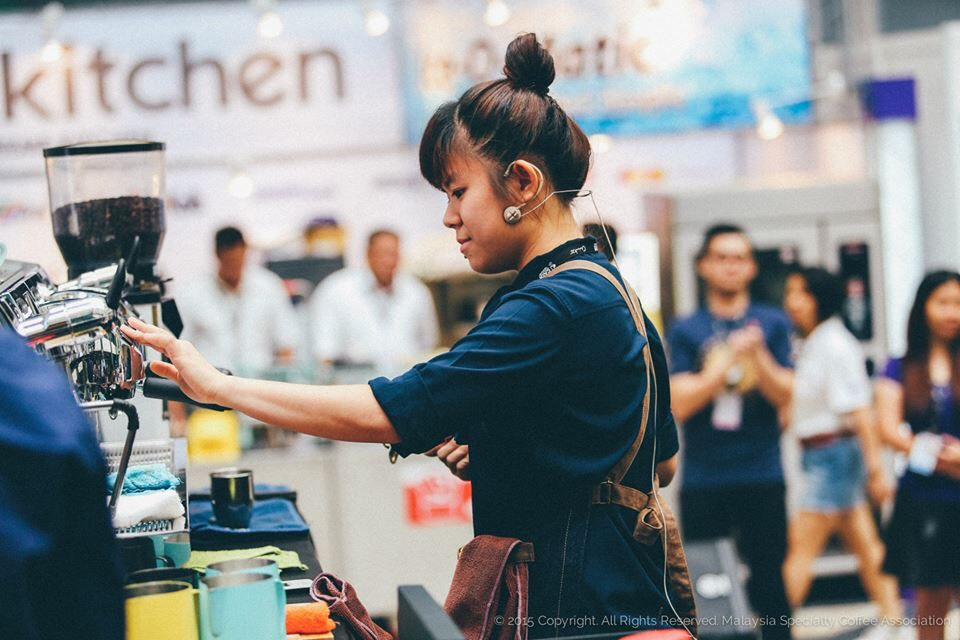 Loo Choy Leng competing in 2015. She is currently employed as a Quality Control & Operational Trainer at 103 Coffee Workshop.