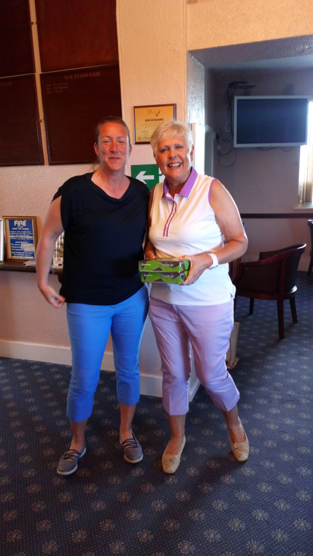 Margaret Bowen of Welshpool with the only 2 of the day! Pictured on the right, with Ellen Jones of Welshpool.