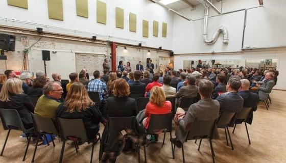 Debat-De-Nieuwe-Stad1_foto-Joost-Enkelaar-644x444-560x320.jpg