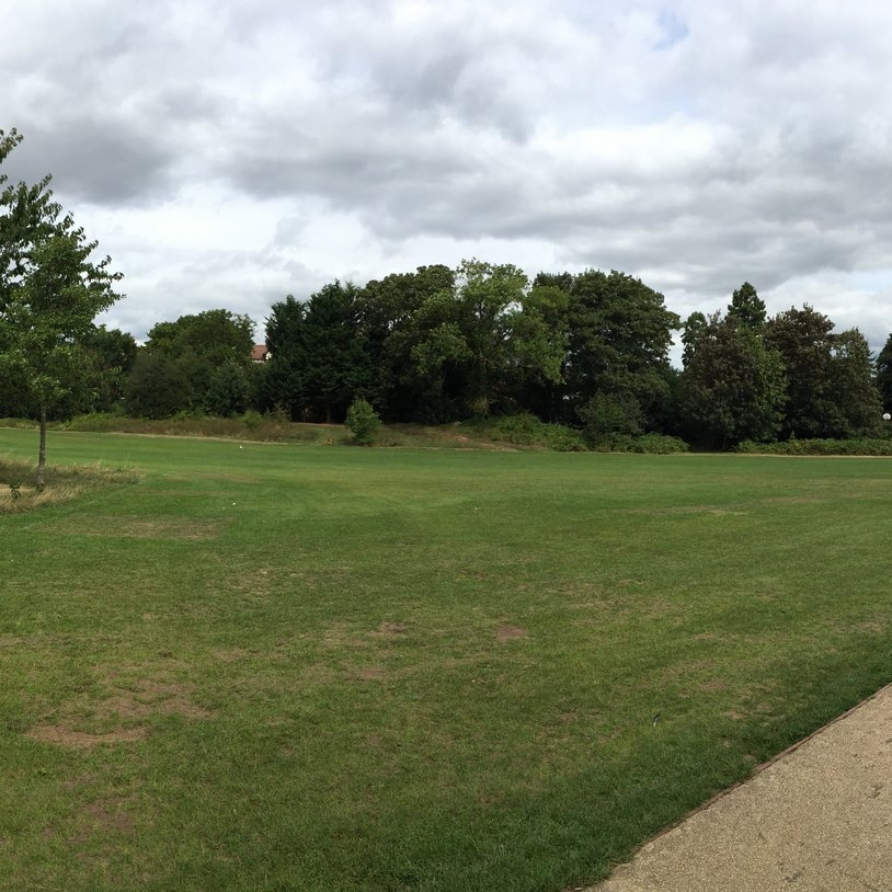 WorcesterGheluvelt Park - Latitude: 52.207473Longitude: -2.231039Restrictions: no Northeasterly drift