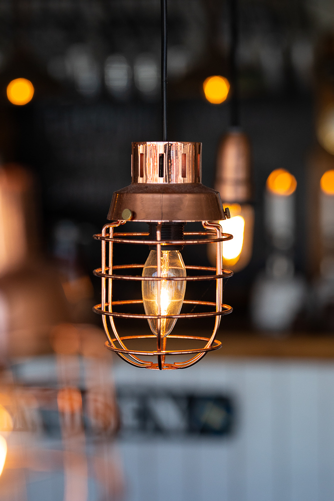 lampa med ljus bakom.jpg