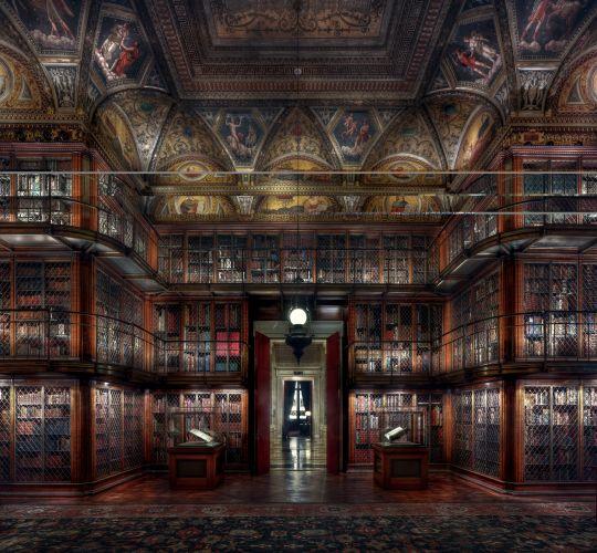 Christian-Voigt-Morgan-Library-III-2015-light-jet-print-150-x-160cm.jpg