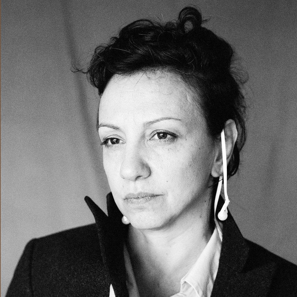 THELMA BONAVITA - Creative Director: concept, research and performance