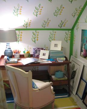 Cottage Den Wallpaper