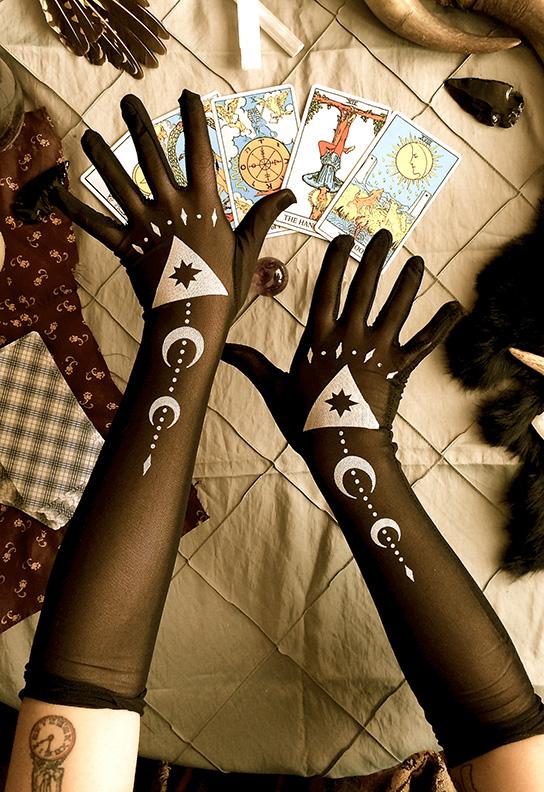 """Divining Gloves"""
