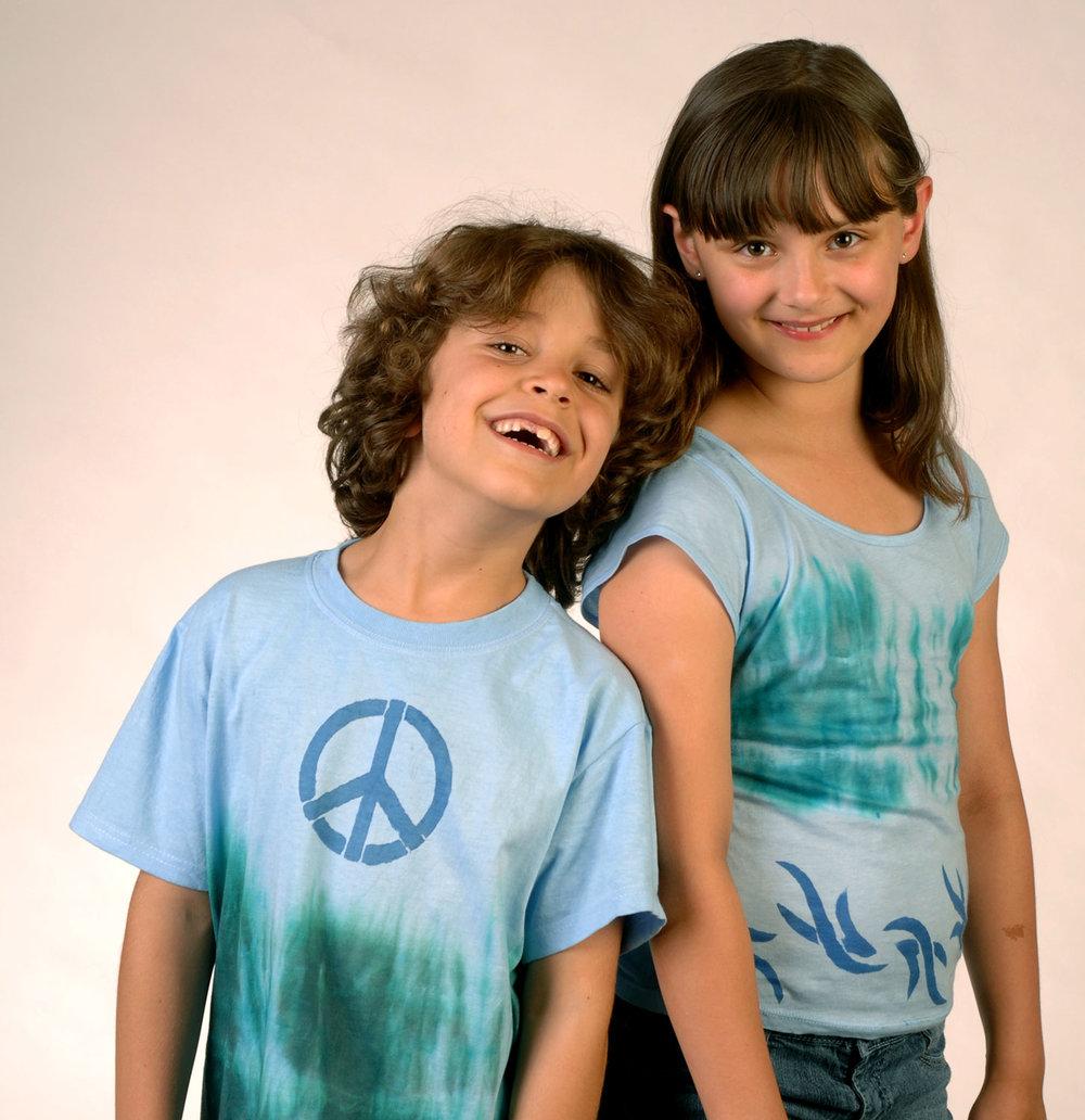 color-magnet-blue-green-2-kids.jpg