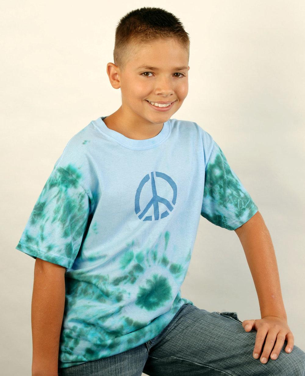 color-magnet-boy-peace-shirt.jpg
