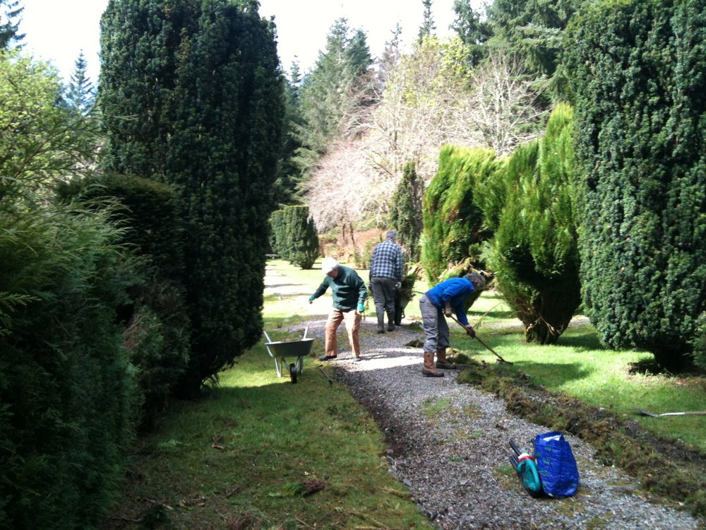 Volunteers working on the paths 2017