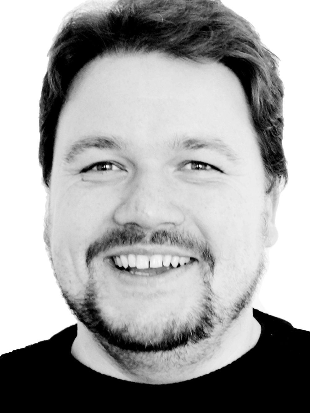Mathias Runge, Co-Founder & Senior Developer    mail     linkedin    xing