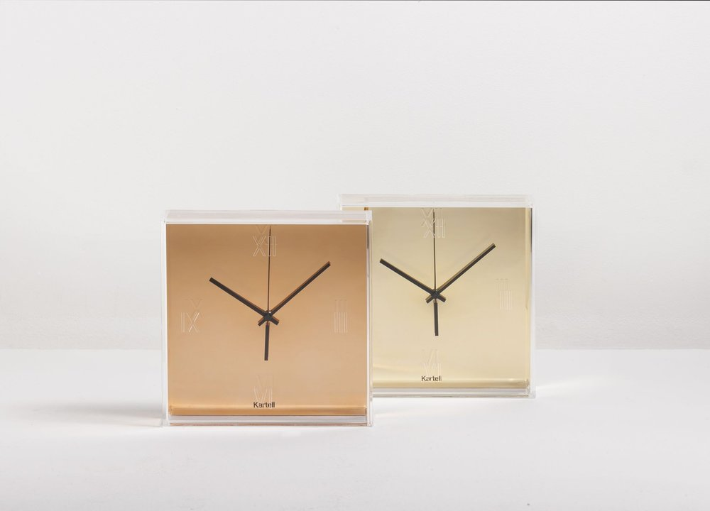 cado_modern_furniture_tic_tac_gold_copper_wall_clock_kartell_philippe_starck_con_eugeni_quitllet.jpg