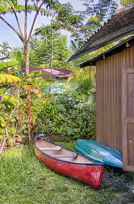 Canoes_HDRcropColEfex_DxOShFinale.jpg