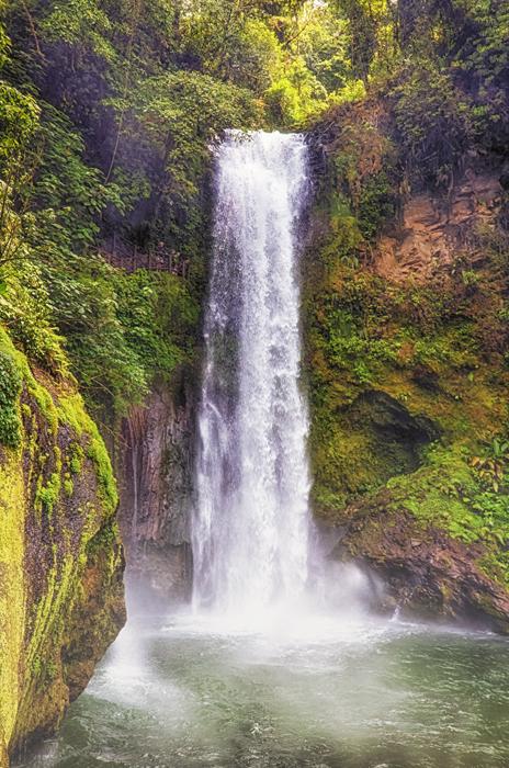 Tall WaterFall_HDRColEfexShFinafl.jpg