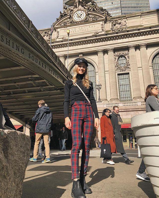 started with a screenshot📷 . . . . . . #fashionblogger #whatiwore#NYCblogger #styleblogger#lookoftheday #ootd #ootdmagazine #ootdsubmit #bloggersofinstagram #fashioninspo #whowhatwear #fashiondaily #fashionista#whowhatwearing #wiwtoday#nystreetstyle #nyc #influencedot #nycfoodie #newyorkfashion #bloggerstyle #foodandfashion