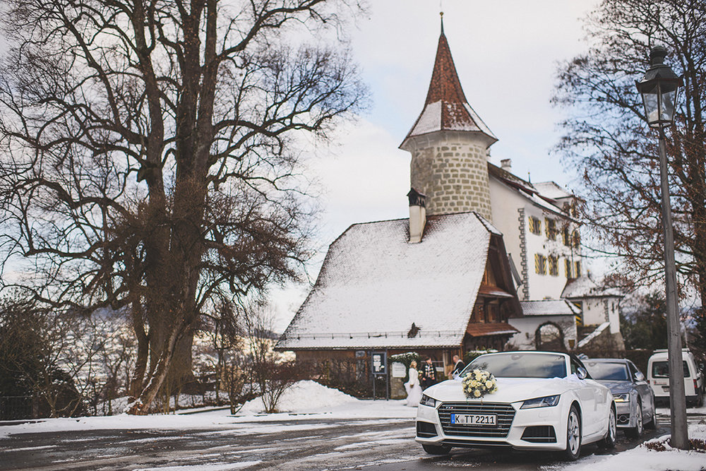 natasha_and_daniel_6jan17_switzerland_rachel_manns_155_Schauensee_castle_switzerland_wedding.jpg