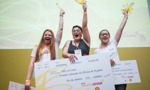 Shell LiveWIRE    Female LiveWIREs scoop top Shell Iniciativa Jovem Awards in Rio