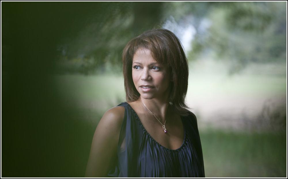 Gloria Ruben Portrait.jpg