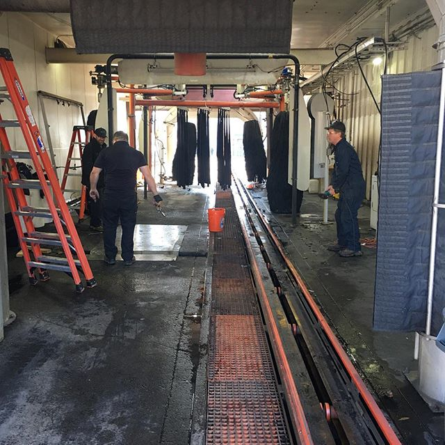 Remodel underway!!! Swapping some @motorcitywashworks equipment for #Macneil. @haywardcarwash • • • #washlife #stayproperlyclean #haywardcarwash #carwashshow #bayarea #oakland #carwash #carwashing #carwashday #carwashtime #autocare #carcare #Zep #velocityvehiclecare #business #macneil #motorcitywashworks