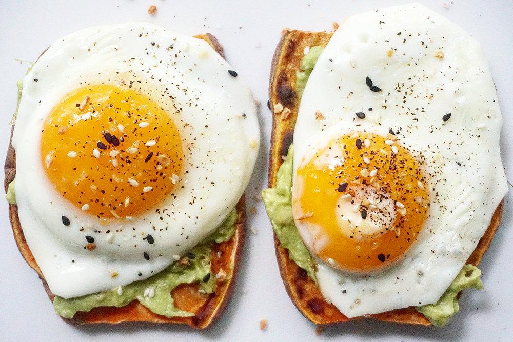 avo egg toast.jpg