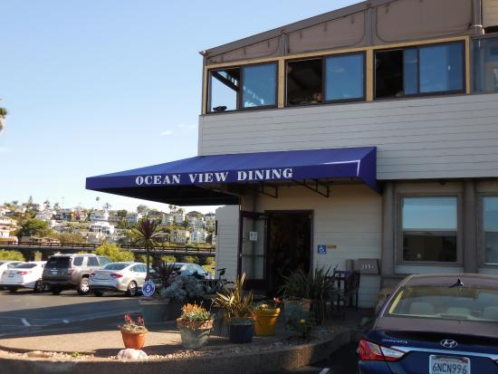 Ki's - Beach-side reliable brunch spot with unbeatable views of the ocean (try to get a window seat on the second floor)